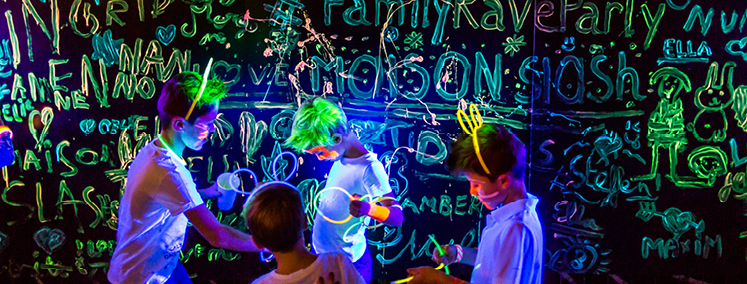 fun-fluo-family-rave-party_header
